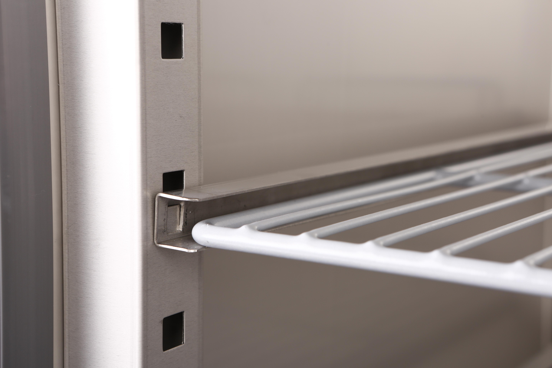 Kühlschrank ECO 650 GN 2 1 line Shop GASTRO HERO