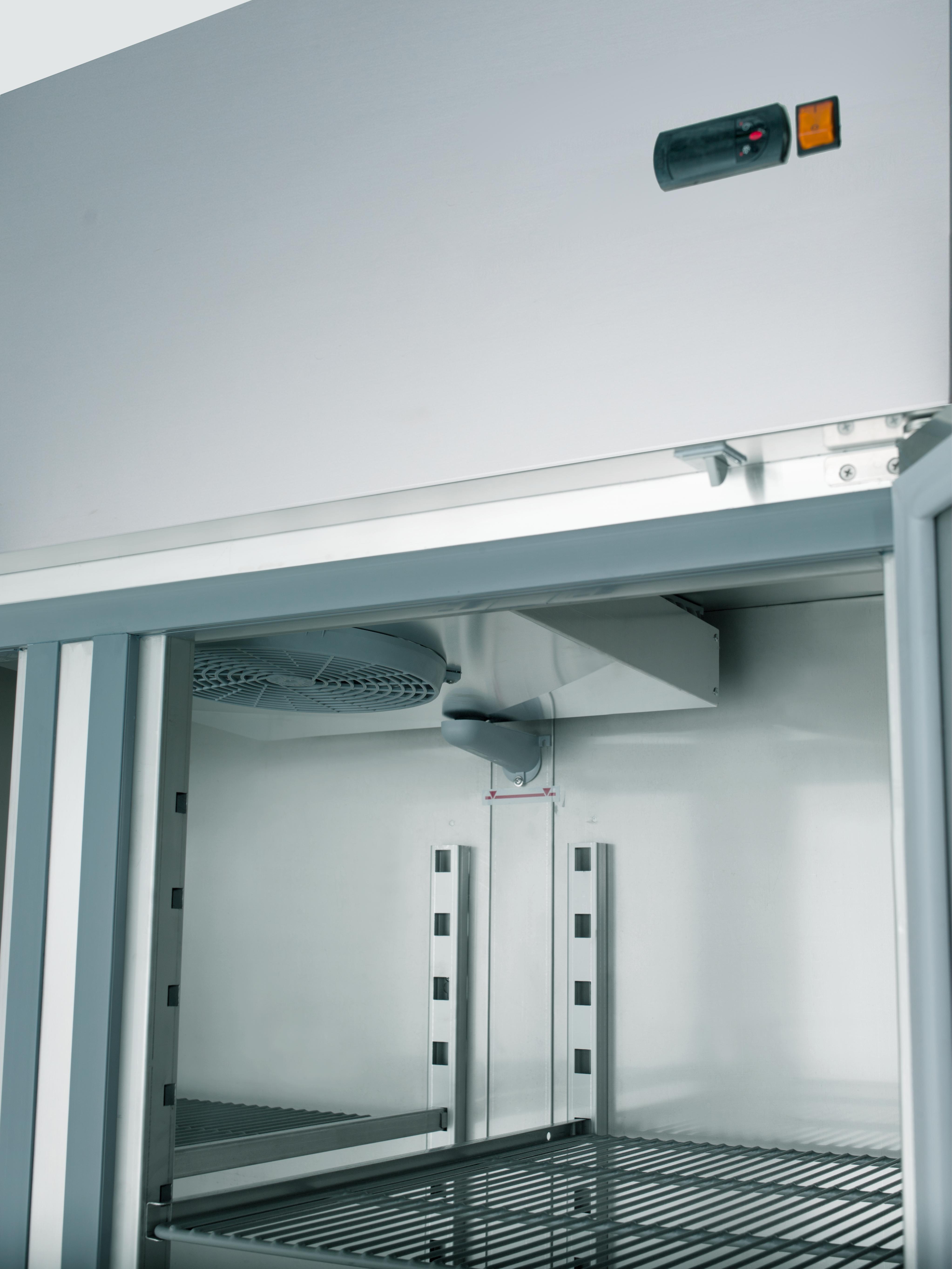 Tiefkühlschrank Profi 1400 GN 2 1 mit 2 Türen line Shop GASTRO